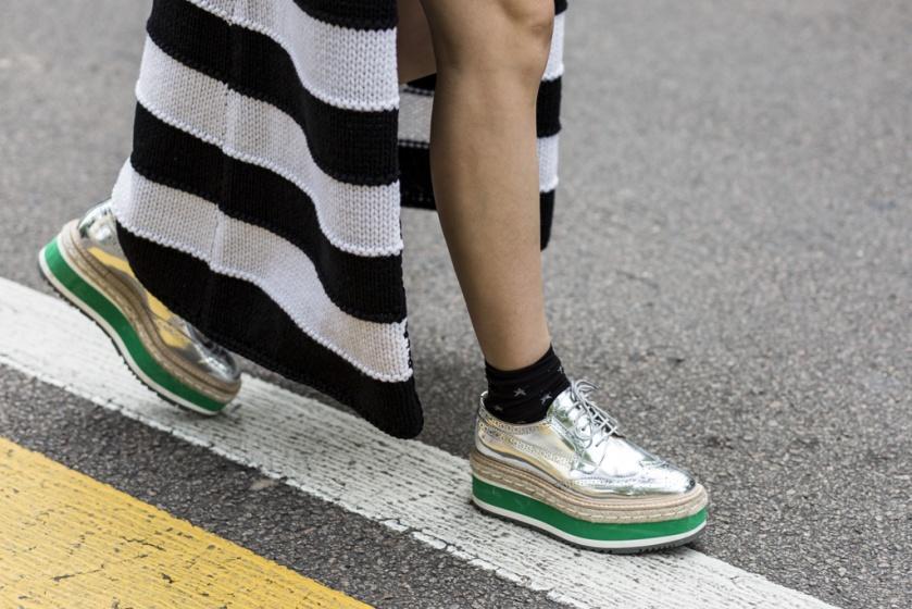 street_style_zapatos_monocromaticos_tricolor_257661288_1024x683