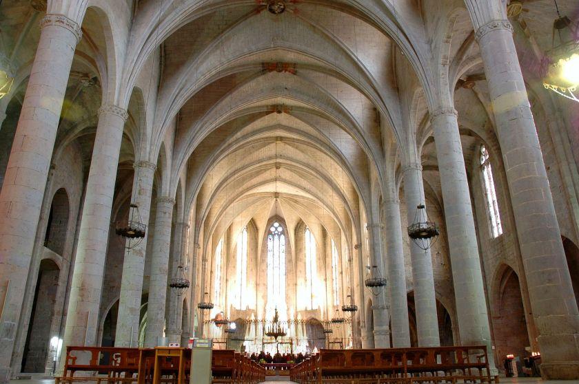 Santa_Maria_de_Castelló_d'Empúries_-_Interior