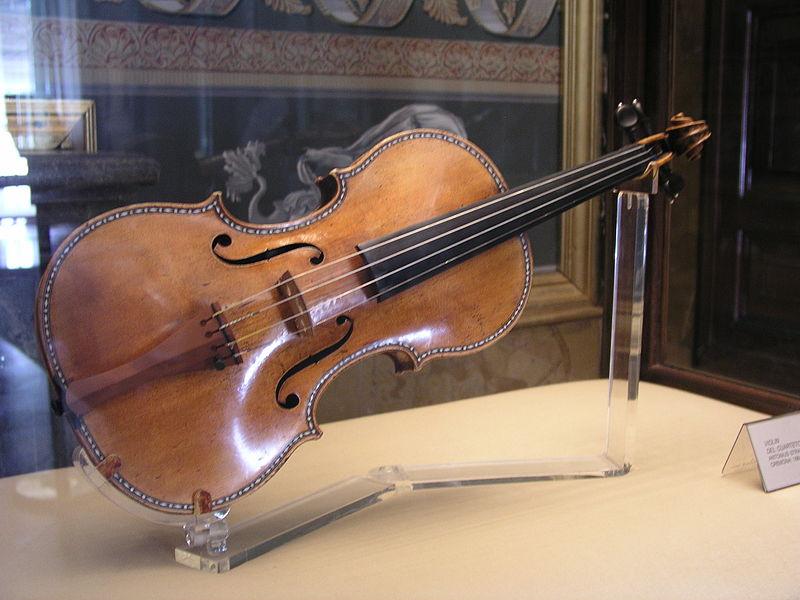 800px-PalacioReal_Stradivarius1